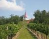 Das-Wahrzeichen-des-Galgenbergs-in-Wildendürnbach-ist-eine-Kirchturmspitze-ohne-Kirchturm©Wolfgang-Muhr